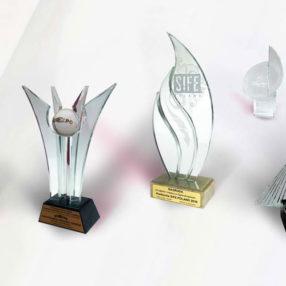 Największy wybór statuetek, pucharów i trofeów