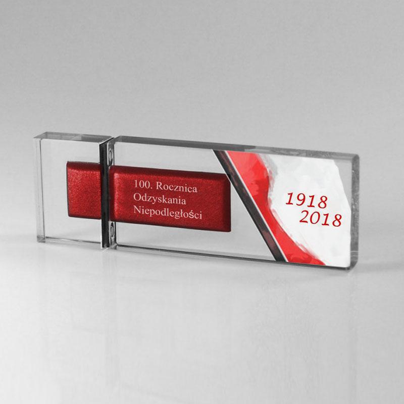 Szklany pendrive z okazji 100-lecia odzyskania niepodległości