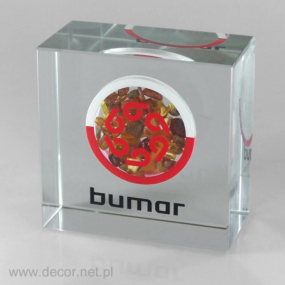 Szklana bryła, przycisk szklany z bursztynem
