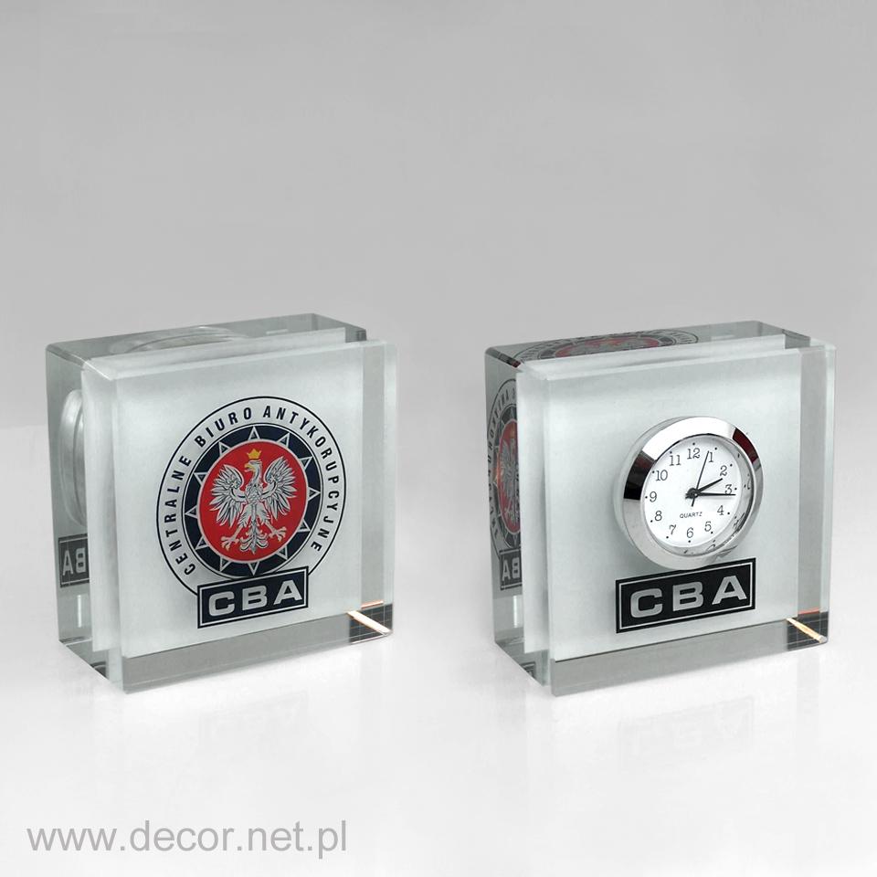 Szklany zegar na biurko z logo