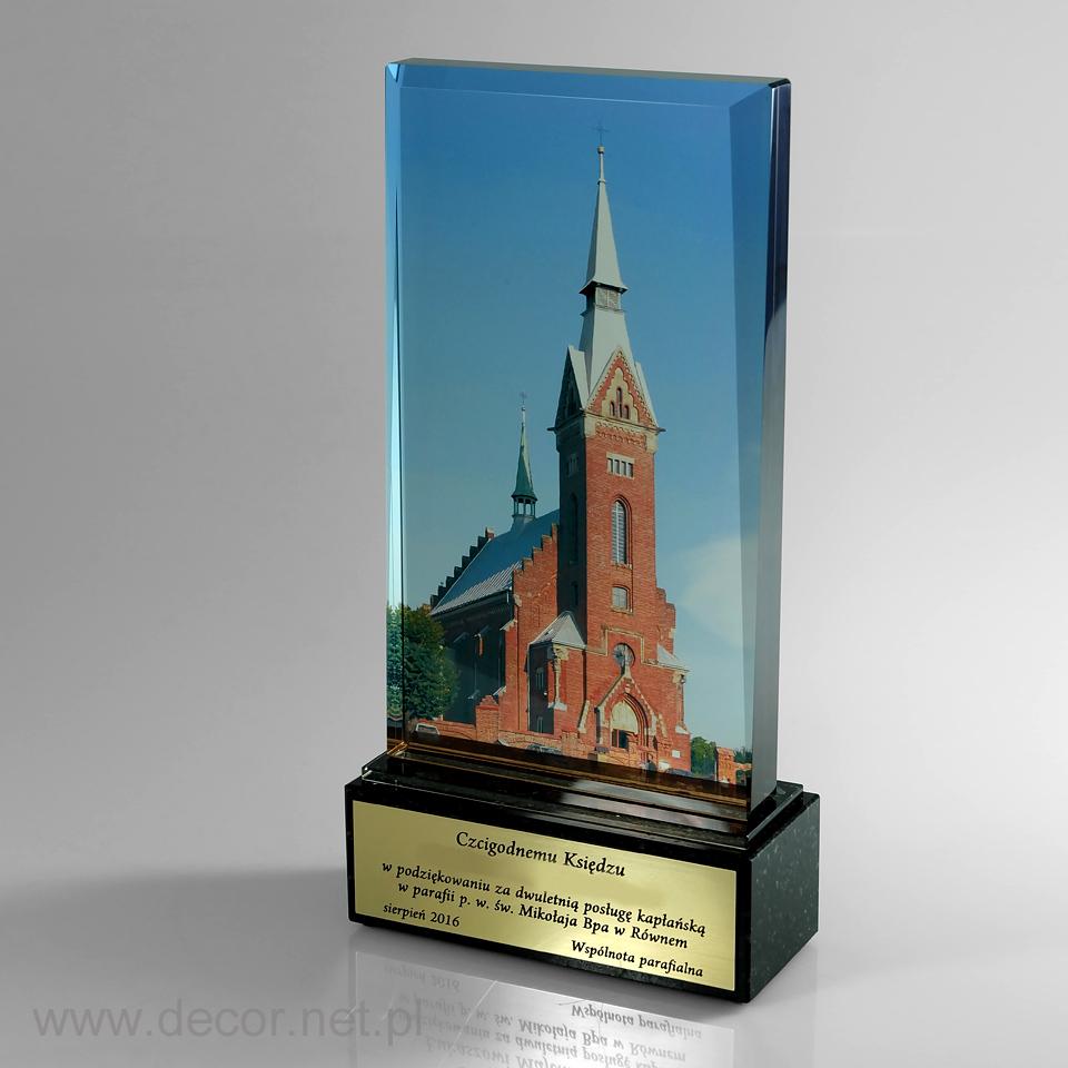 Statuetka - Prezent dla wikarego - Pamiątka od parafian