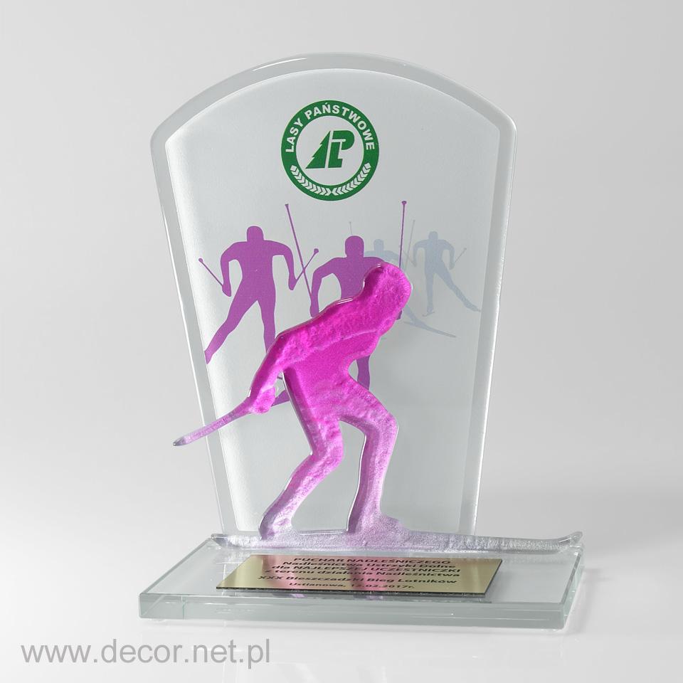 Szklana statuetka z miniaturą narciarza
