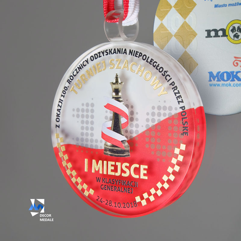 Szklany medal z okazji 100-lecia odzyskania niepodległości