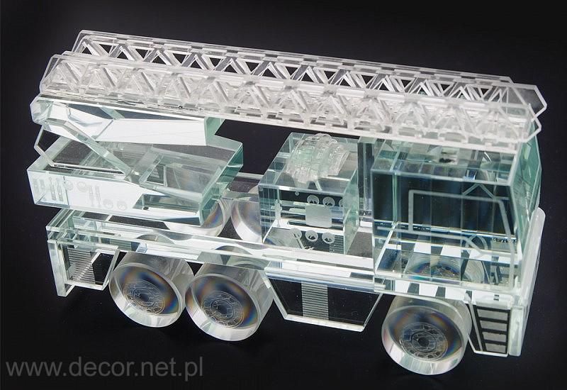 Model wozu strażackiego ze szkła
